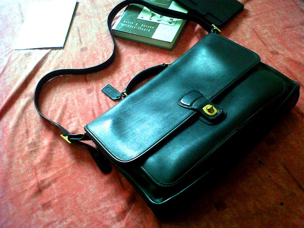 Vintage Coach Metropolitan briefcase/messenger bag in black glove-tanned leather