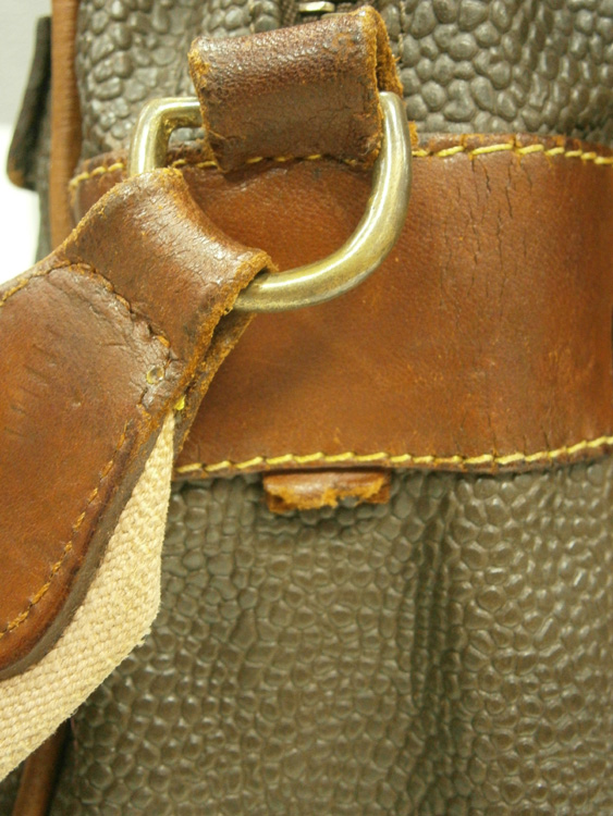 Missing Mulberry disc/fob - vintage Mulberry Scotchgrain messenger bag manila philippines