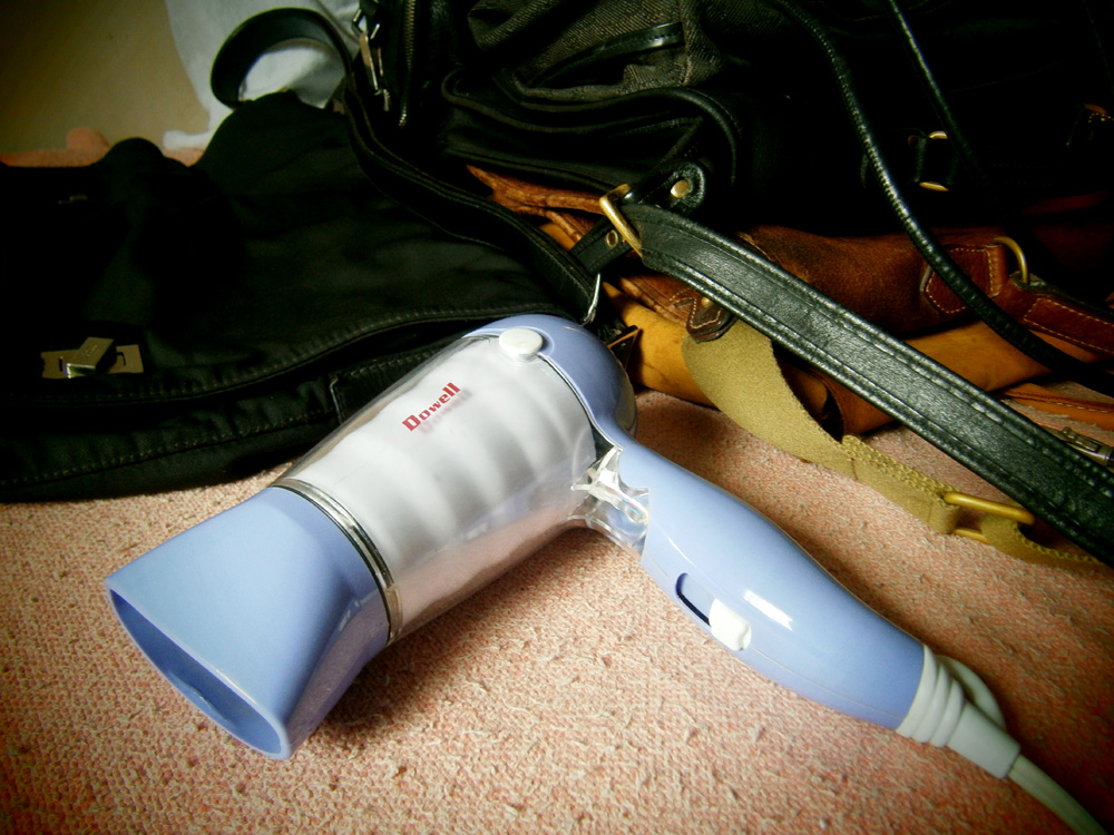 Blow drying bags to remove moisture - Mulberry, Coach, Givenchy, J. Perterman, Gucci bag PHILIPPINES