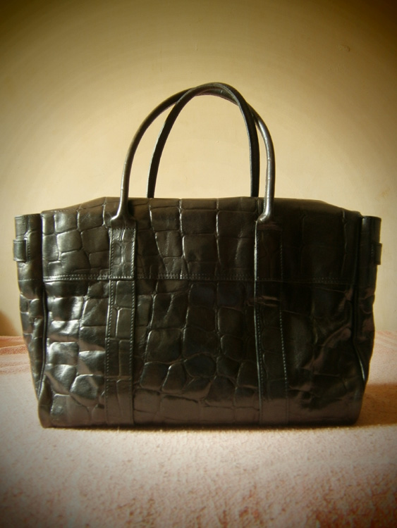 Photo of the back of this Mulberry Bayswater in Congo Leather - Manila, Philippines