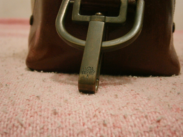 Mulberry bag brass hardware on adjustable strap - Manila, Philippines