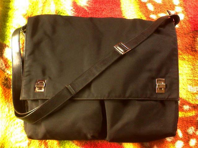 Black Gucci Microfiber Messenger Bag - Manila, Philippines