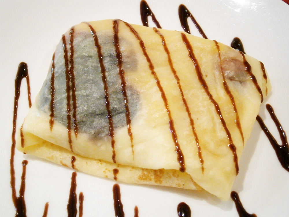 Blueberry, peach and mango crepe - crepe at Heat, EDSA Shangri-la Mandaluyong City Philippines