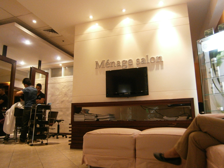 Waiting for my turn - Ménage Salon Gateway Mall - Cubao