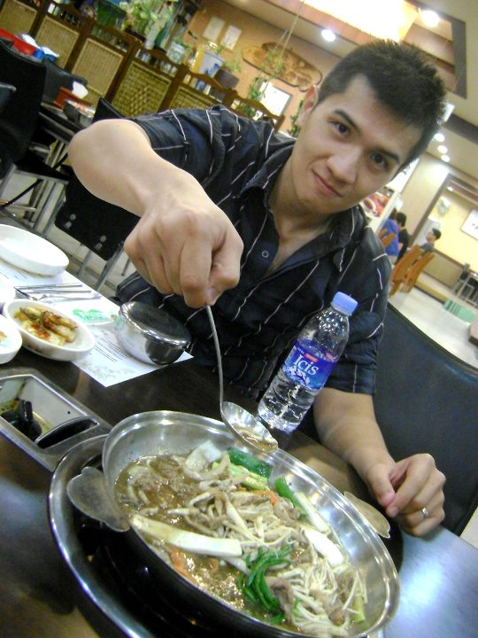 Mon about to eat the Bulgogi - Joint Security Area Tour
