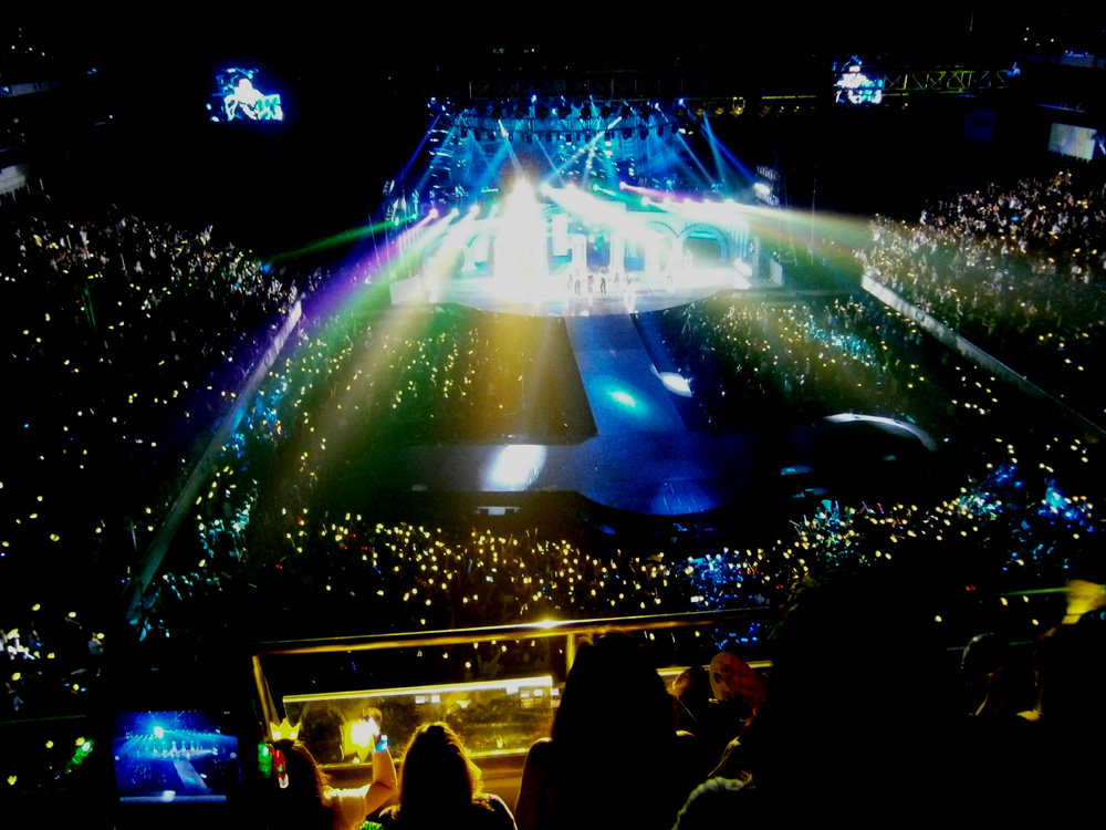 Big Bang after emerging from those tubes - Big Bang Alive Tour 2012 in Manila