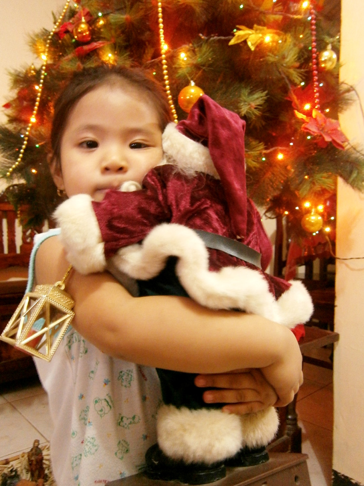 Brie hugging Little Santa - Christmas in the Philippines