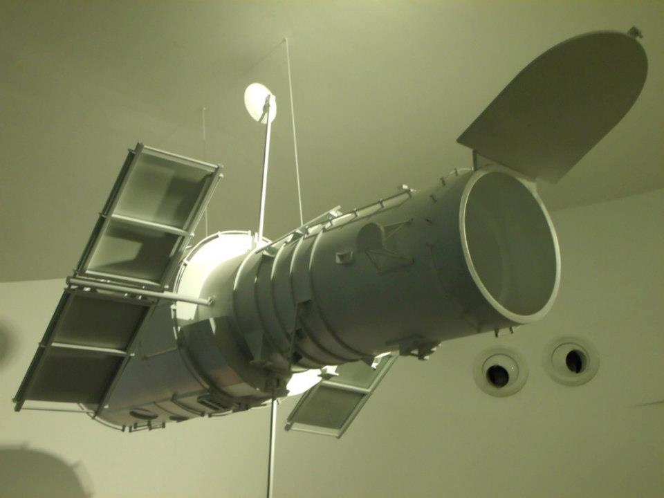 A model of the Hubble Space Telescope - The Mind Museum at Taguig