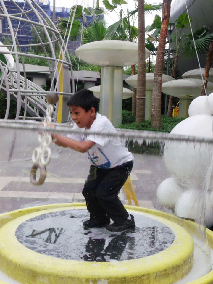 Giant bubble maker  - The Mind Museum at Taguig