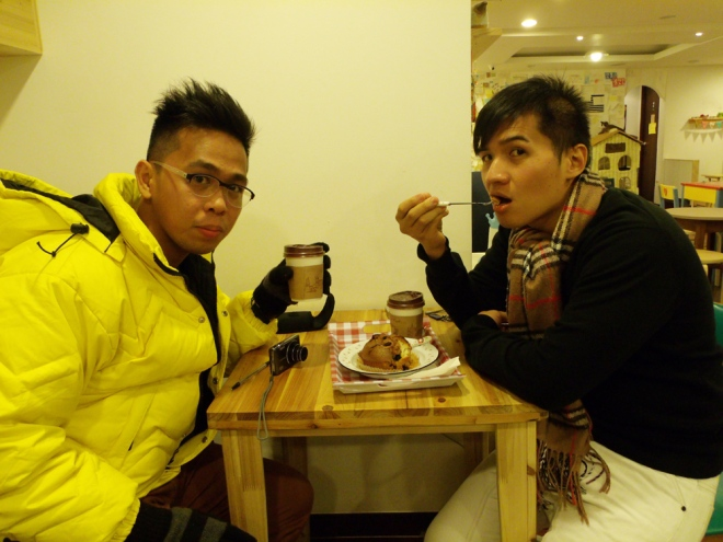 Mon and I with our coffee and blueberry muffin --- Cat Café Myeongdong, Seoul