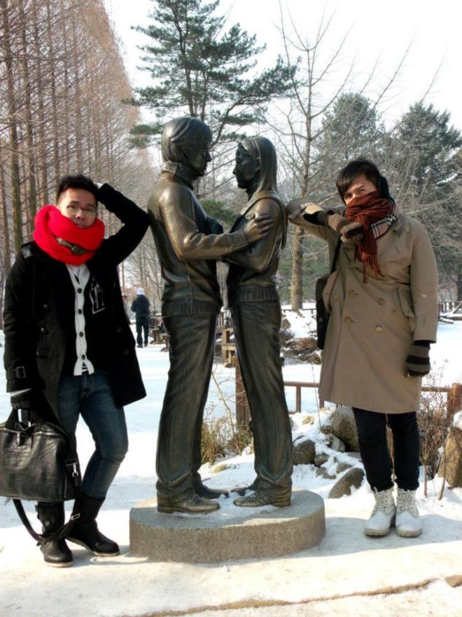 Mon and I with the statues of Winter Sonata characters --- Winter in Seoul December 2012 - Day 3: Nami Island