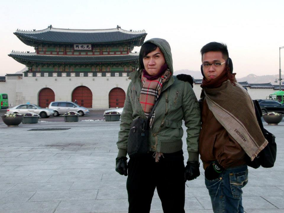 Thank you tripod - Mon and I in front of Gyeongbokgung