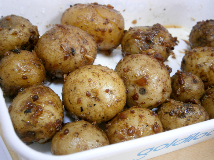 Mon's herbed marble potatoes