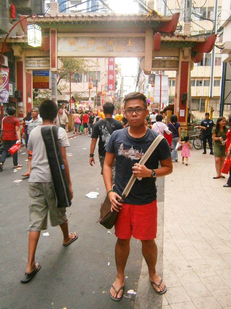 And I was wearing my red shorts - Binondo, Chinese New Year 2013