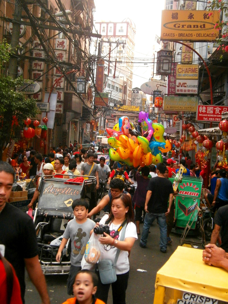 Bustling street  - Binondo, Chinese New Year 2013