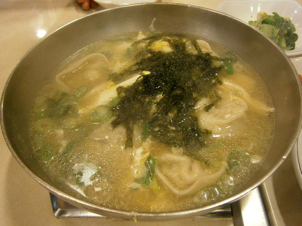 Day 1 - Manduguk dumpling soup at 삼오정 Samujeong