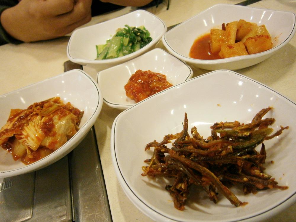 Day 1 - Side dishes at 삼오정 Samujeong