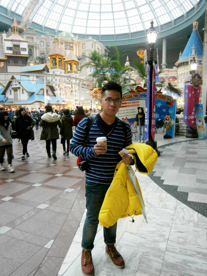 Much needed coffee - Lotte World, Seoul, South Korea
