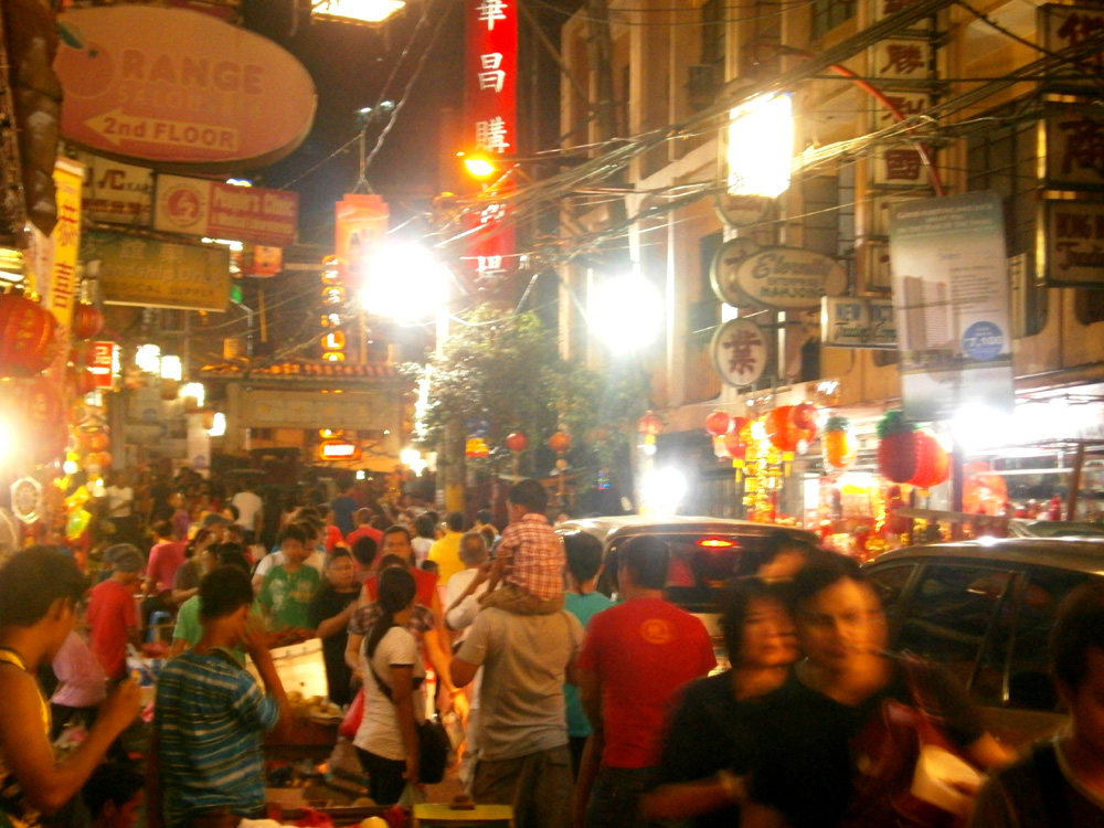 Night fell and the number of people just increased -  Binondo, Chinese New Year 2013