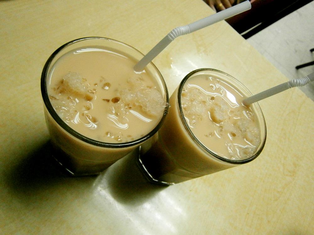Two glasses of yummy milk tea  - Waiying, Binondo, Chinese New Year 2013