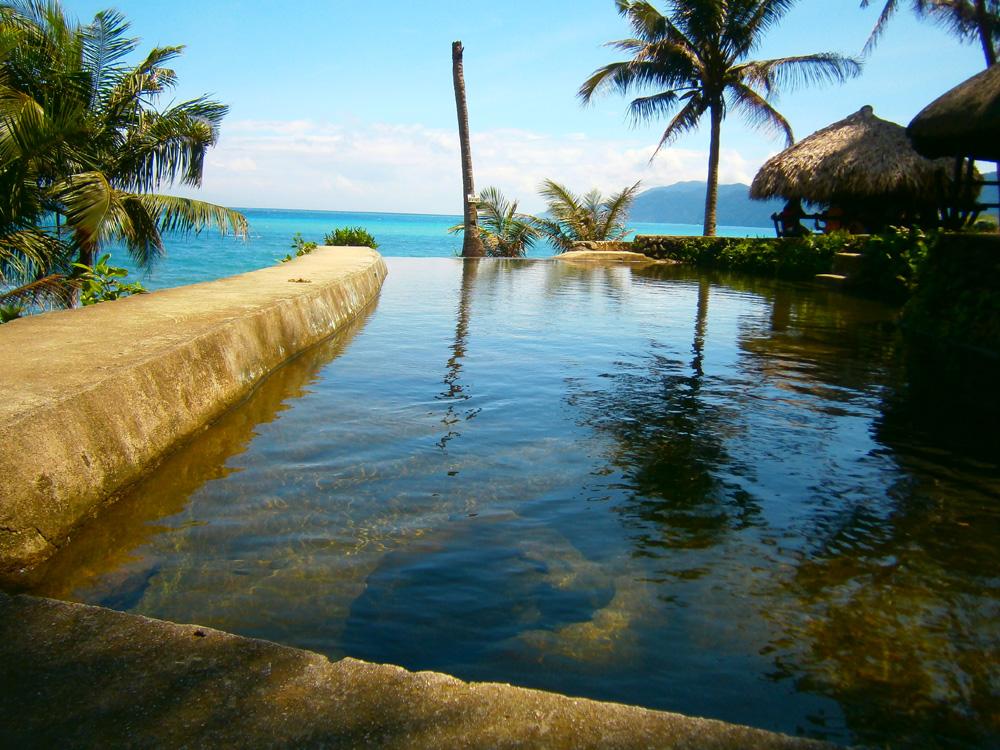 Makeshift infinity pool in Agua Grande,Pagudpud, Ilocos Norte