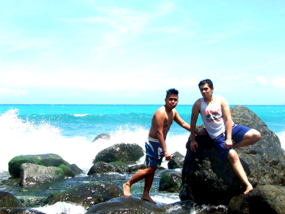 Trying to get a nice crashin wave in the background - Agua Grande, Pagudpud, Ilocos Norte