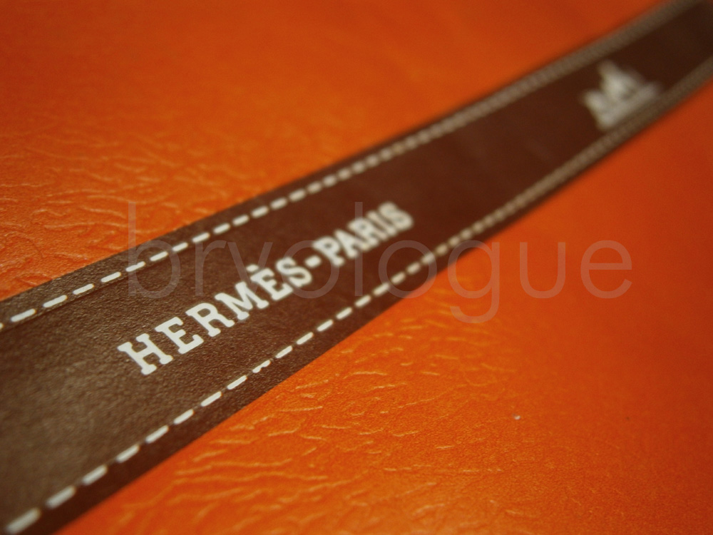 That orange Hermès scarf envelope