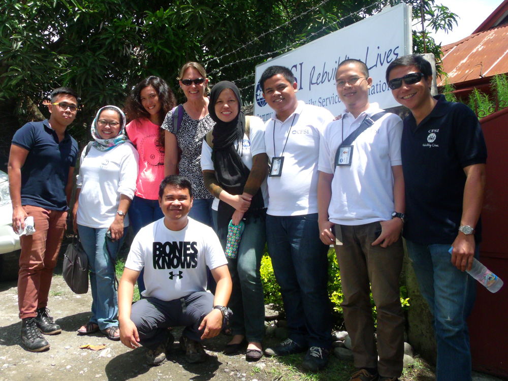 Picture with our amazing colleagues before leaving the Iligan office