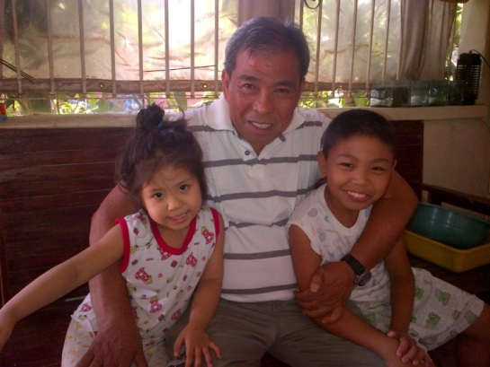 Papa with the kids before leaving again