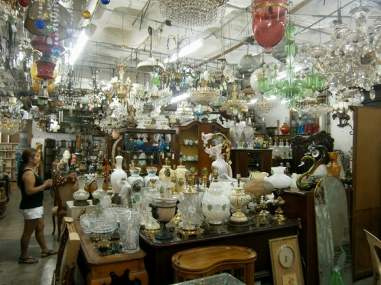 Getting lost inside this labyrinth of vintage and secondhand home trinkets in Makati Cinema Square