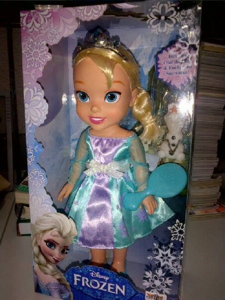 Toddler Elsa last year, Christmas 2013 - Disney Frozen