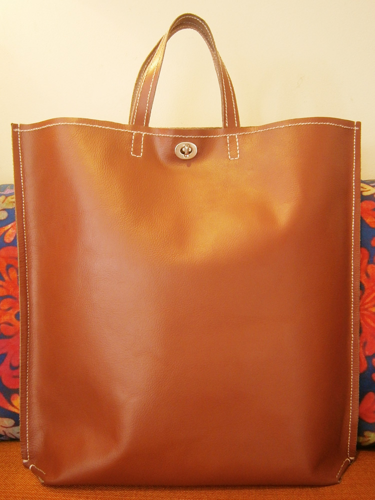diy-saddle-stitched-leather-tote-bag-front
