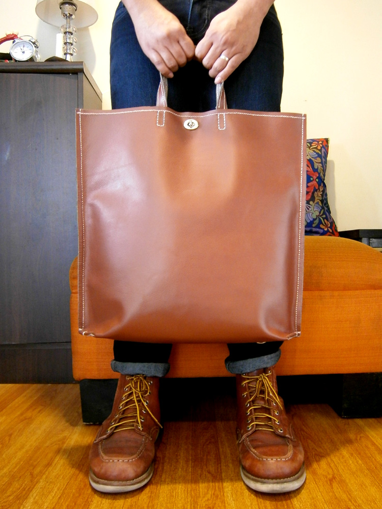 how-the-bag-looked-like-when-carried-saddle-stitch-bag-red-wing-boots