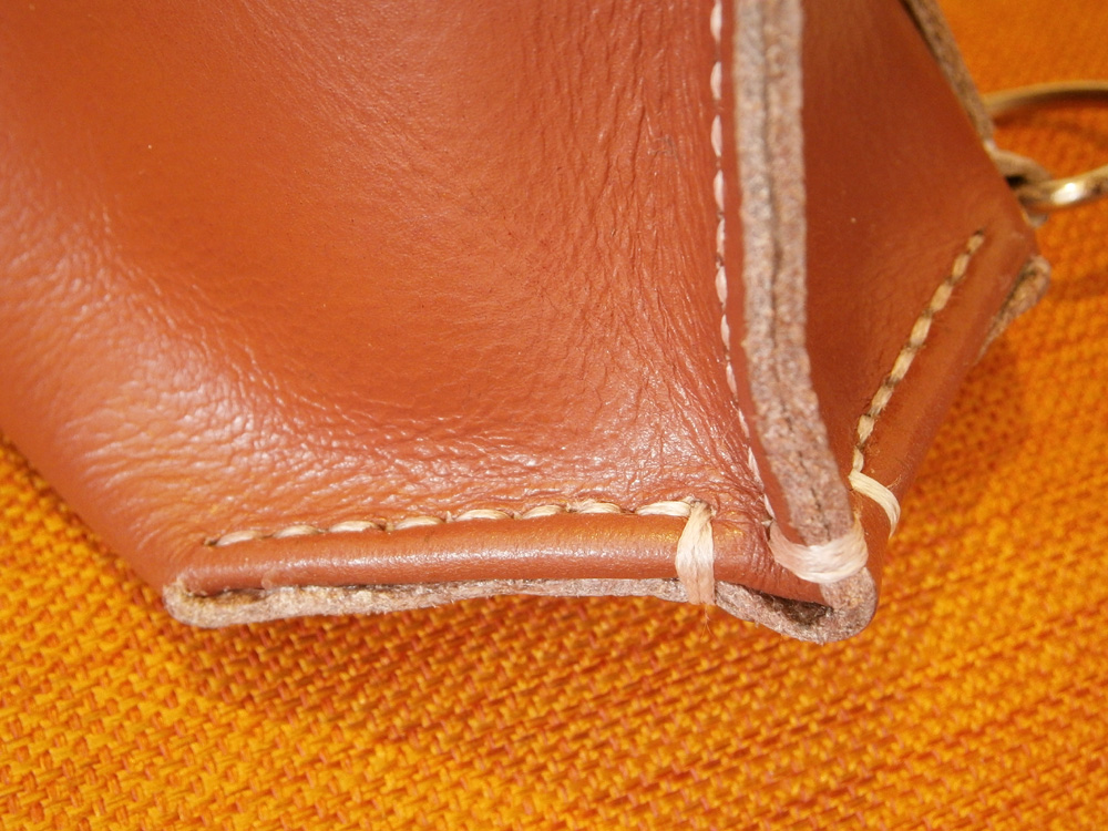 tricky-stitching-the-base-of-the-bag-saddle-stitch